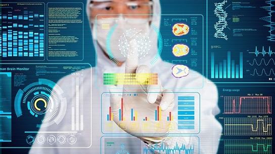 Digitalización en la industria farmacéutica: Permite realizar las operaciones de forma más rápida, eficiente y confiable.