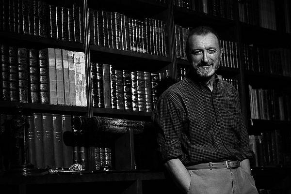 El italiano, el nuevo libro de                     Arturo Pérez-Reverte, disponible desde el 21 de septiembre de 2021.