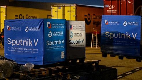 Los anticuerpos generados por la Sputnik V aumentan a los seis meses.